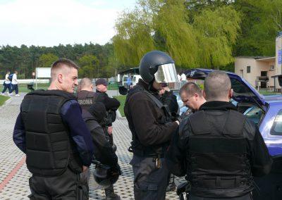 Omega Security - pracownicy agencji ochrony w Warszawie podczas pracy w terenie
