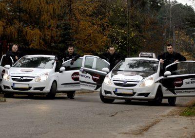 Omega Security - patrol interwencyjny agencji ochrony w Warszawie podczas pracy